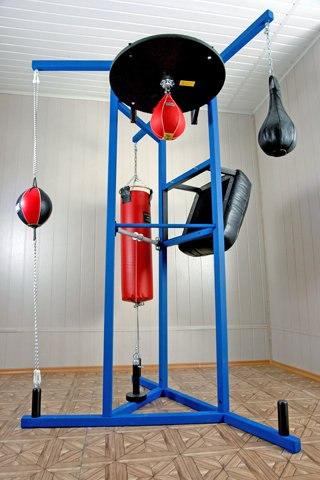 Универсальный тренажер для бокса