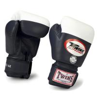 Боксерские перчатки соревновательные Twins
